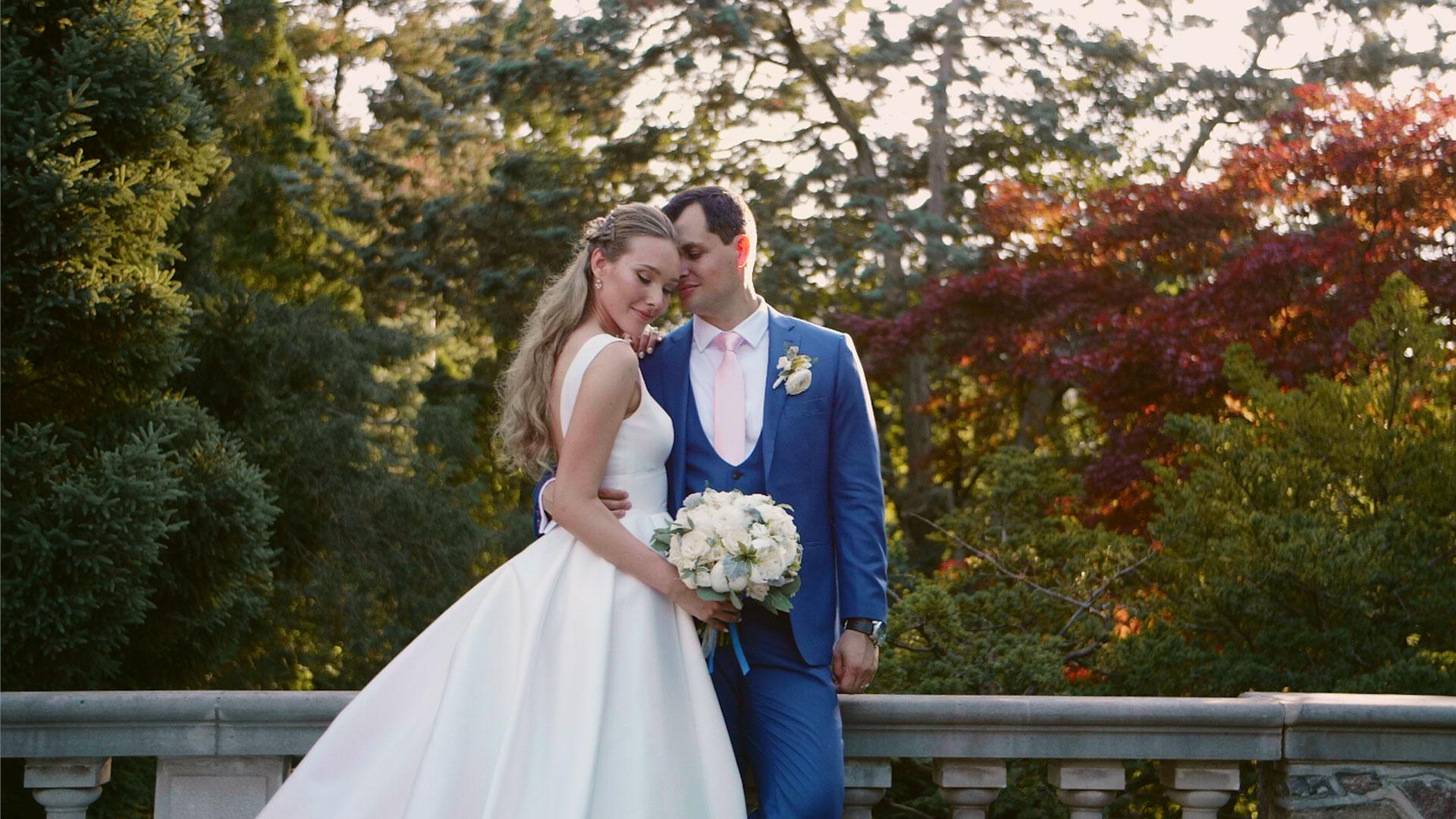 bride and group at their Graydon hall manor wedding by Toronto wedding videographer kismet creative