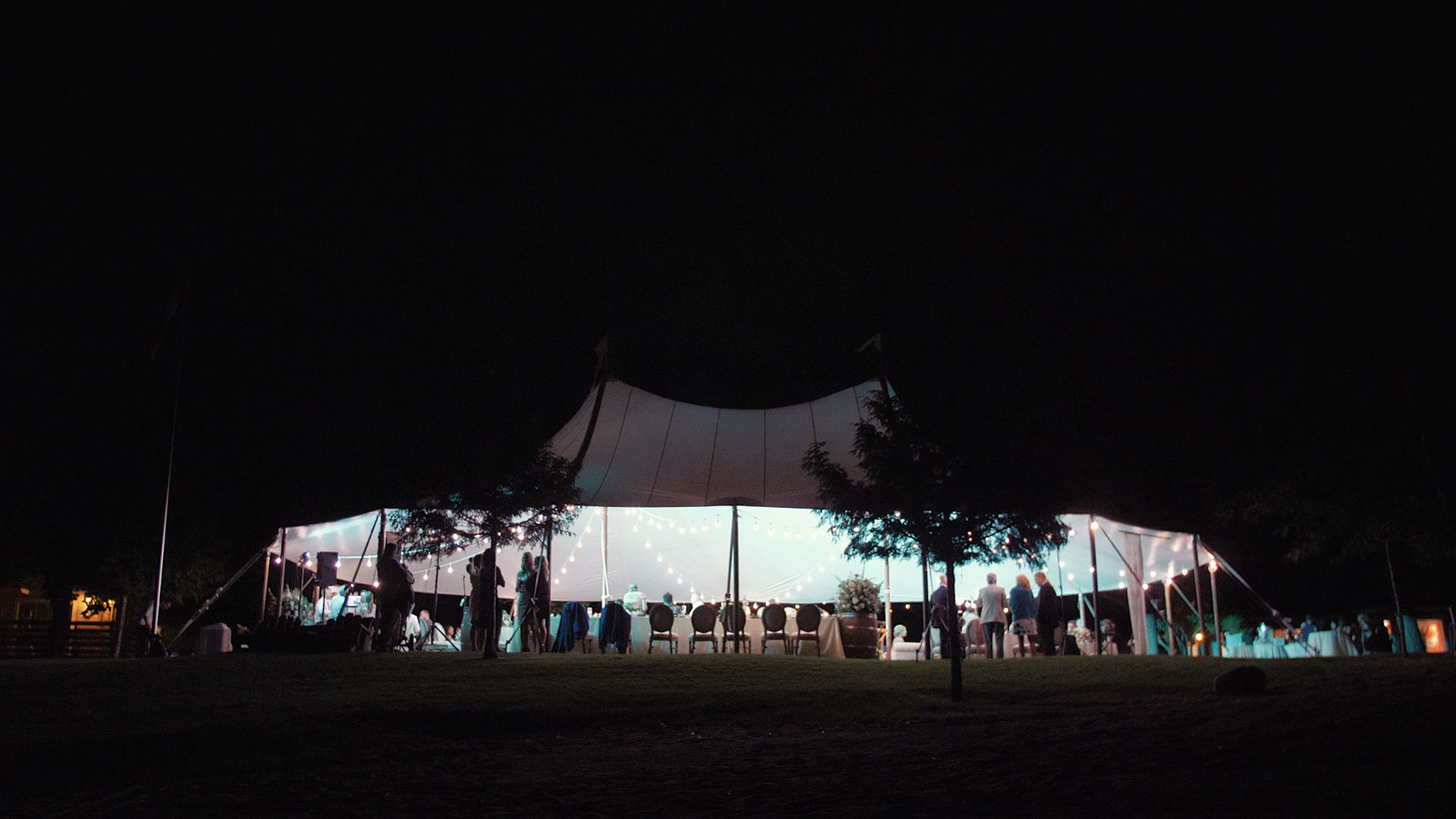 Evening reception at Ponderosa Point Wedding in Penticton BC by Penticton Wedding Videographer Kismet Creative